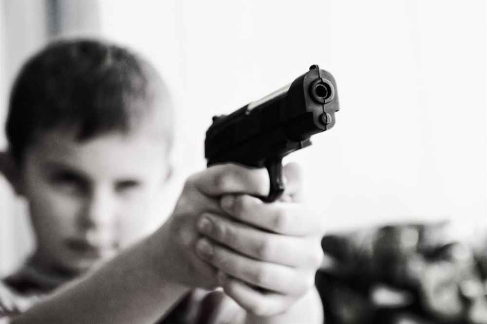 weapon-violence-children-child-52984-1.jpeg